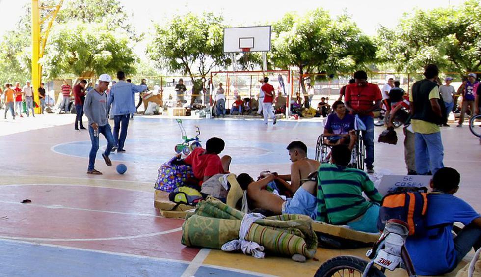 Venezolanos permanecían en un polideportivo. (EFE)
