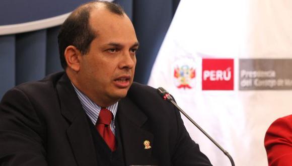 Ministro Luis Castilla ofreció una conferencia de prensa desde la sede de la PCM. (Andina)