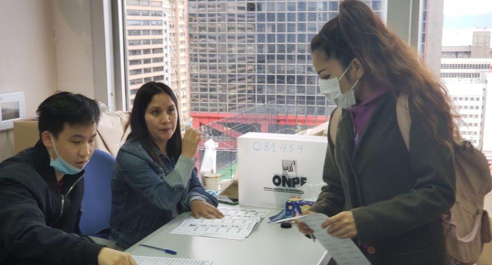 Peruanos ejercieron su voto en la ciudad de Hong Kong. (Foto: Facebook Consulado en Hong Kong)