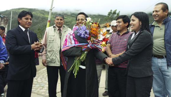 La ministra de Cultura, Susana Baca, en el mirador de Kiuñalla-Huanipaca, en Apurímac. (Andina)