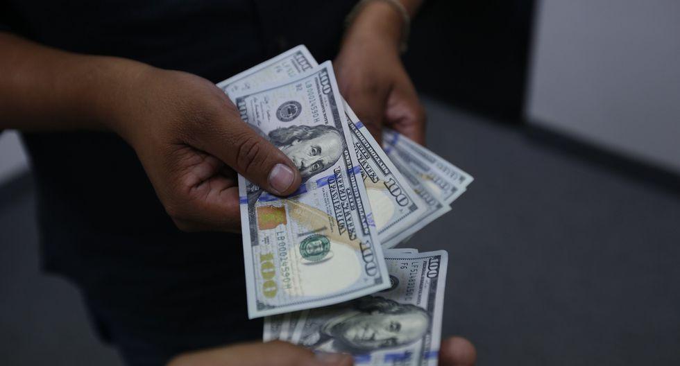 En casas de cambio, el dólar se cotiza a S/ 3.303 (compra) y S/ 3.305 (venta). (Foto: USI)