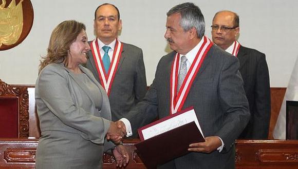 Rosa Nuñez es accesitaria de Michael Urtecho. (Andina)