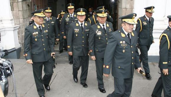AL FONDO HAY SITIO. Más generales ingresarán a la Policía Nacional, pero son pocos los que se irán. (USI)