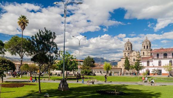 El distrito de Cayalluc se ubica en la provincia de Cutervo en la región Cajamarca,