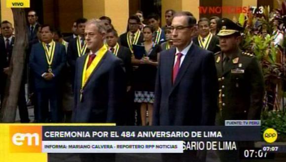Mandatario y burgomaestre acudieron al pasaje Nicolás de Rivera para colocar la ofrenda floral y rendir homenaje al último Cacique Gonzalo Taulichusco.(Foto: Captura RPP Noticias)