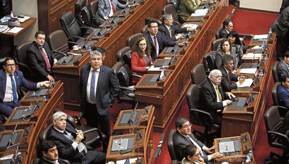 NUEVOS ALIADOS. FP se desprendió de sus cuadros más visibles del Congreso pasado para postular a Martha Chávez como cabeza de lista. (Foto: Mario Zapata/GEC)