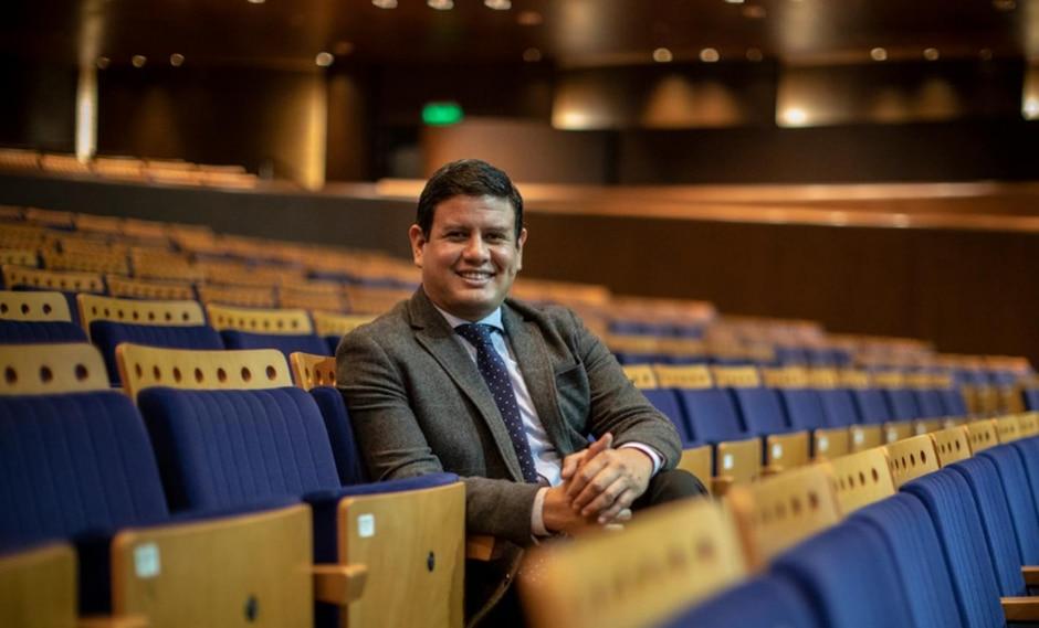 El director del Gran Teatro Nacional es un apasionado del canto, el piano y la marinera, que encontró en la gestión su razón de ser. (Perú21/ Anthony Niño de Guzmán)