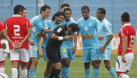 Arbitro lo consignó en su informe. (Mario Zapata)