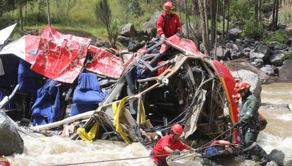 Búsqueda. Aún no hallan a seis desaparecidos en el accidente. (Alan Benites)