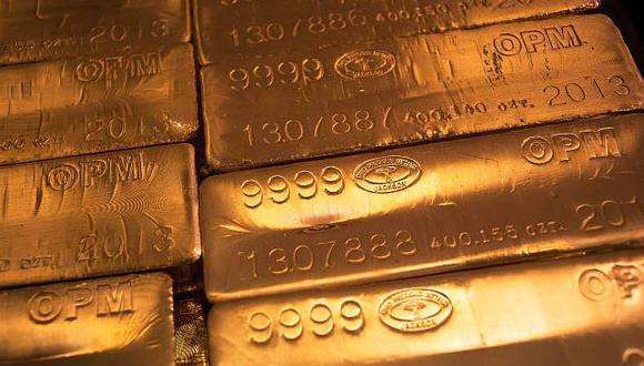 El precio del oro ha caído más de 10% luego de alcanzar un máximo en abril. (Foto: Reuters)