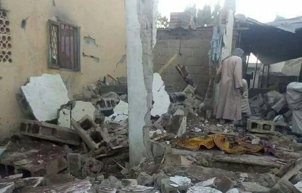 Nigeria: Terrorista se hizo explotar en una mezquita y mató a 14 personas mientras oraban. (Reuters)