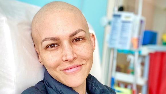 Anahí de Cárdenas es sorprendida por sus amigas tras recibir su última quimioterapia  (Foto: Instagram)