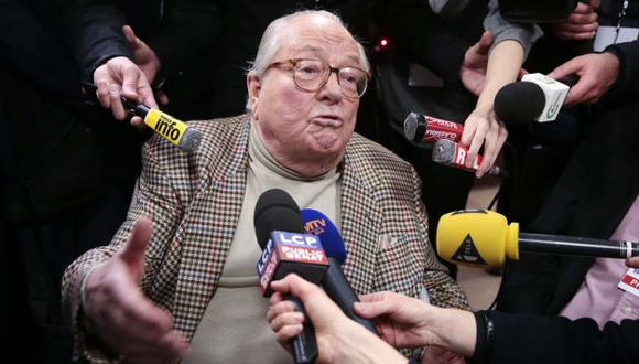 Jean-Marie Le Pen volvió a crear controversia con sus declarciones sobre las cámaras de gas. (AFP)