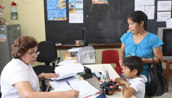El costo de la matrícula no puede exceder el valor de la pensión escolar, advirtió el Indecopi. (USI)