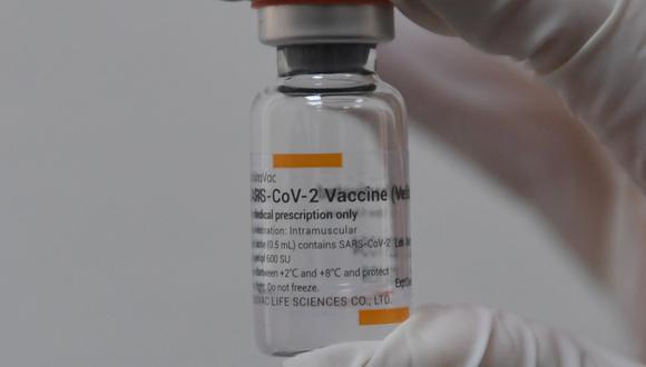 La vacuna Sinovac se une a otras ya autorizadas por ese organismo como las de Pfizer/BioNTech. (Foto: Ozan KOSE / AFP)