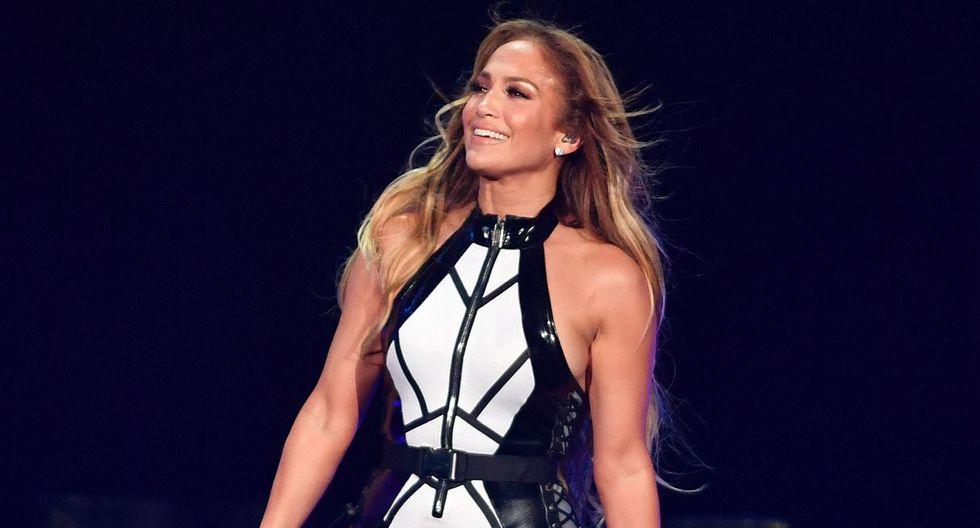 """Jennifer Lopez rindió un nuevo tributo a Selena Quintanilla con el tema """"Si una vez"""". (Foto: AFP)"""