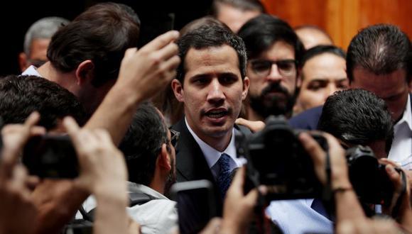 """El fiscal presentó como un """"hecho revelador"""" un mensaje difundido por Guaidó en su cuenta de Twitter dos horas después de producirse el fallo eléctrico. (Foto: EFE)"""
