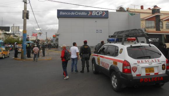 La Policía llegó rápidamente al lugar. (Luis Mendoza)
