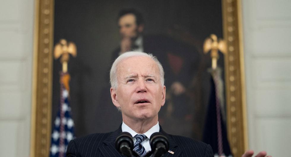 Archivo. El presidente de los Estados Unidos, Joe Biden, pronuncia comentarios sobre una actualización de vacunación desde el Comedor Estatal de la Casa Blanca, el 6 de abril de 2021 en Washington, DC. (Brendan Smialowski / AFP).