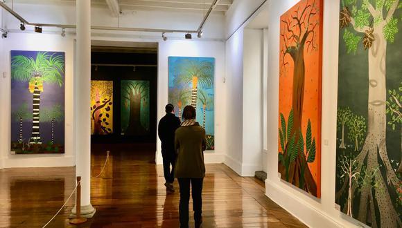 'Solo árboles', la exposición está conformada por 25 pinturas, en gran formato, de diferentes especies de la selva amazónica del pintor shipibo Shoyan Shëca (Roldán Pinedo). (Foto: CC Inca Garcilaso)