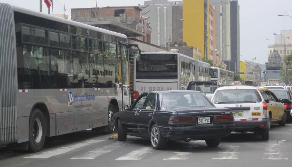 Protesta de galenos causó caos en el Centro de Lima. (César Takeuchi Calla/Perú21)