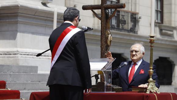 Fernando D'Alessio juró como ministro de Salud este jueves. (Foto: Presidencia de la República)