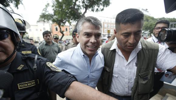 Julio Guzmán y Flor Pablo integran la plancha presidencial más votada del Partido Morado.