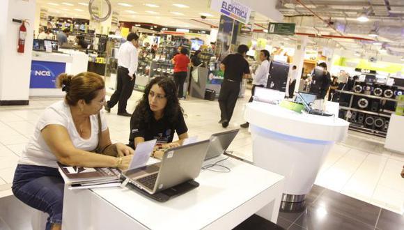 Crecen ventas pero no todos compran. Solo el 29% de los hogares en el Perú tienen al menos una computadora, según el INEI. (USI)