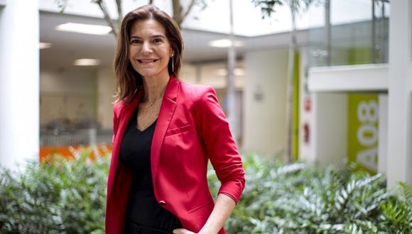Carla Olivieri es CEO y rectora de la UCAL. Además, es profesora de liderazgo personal y nadadora competitiva.