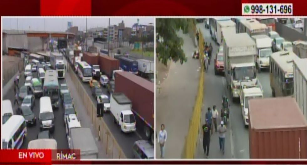Intensa congestión vehicular se registra tras incendio de bus interprovincial. (Captura: América Noticias)