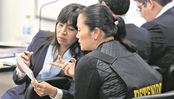 La abogada de Keiko Fujimori, Giulliana Loza, visitó a su defendida tras conocer la fecha de la audiencia de casación. (Foto: GEC)