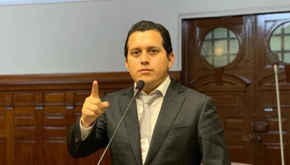 El sábado la Comisión de Ética desestimó abrir una investigación contra el congresista José Luna Morales. (Foto: Facebook José Luna Morales)
