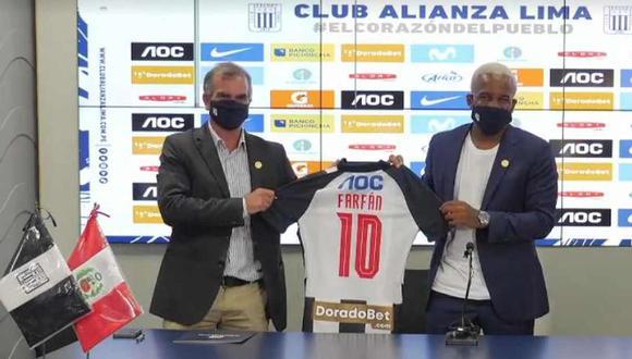 Jefferson Farfán fue presentado oficialmente como jugador de Alianza Lima. (Foto: Facebook)