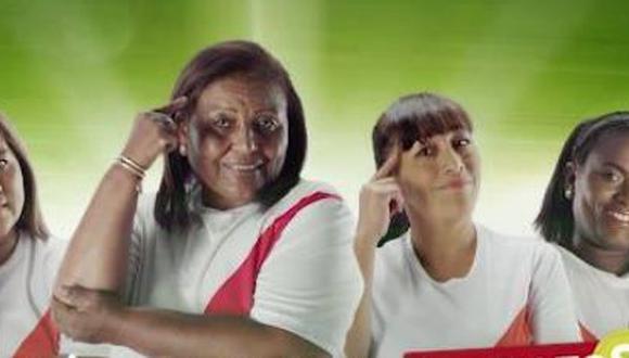 En el videoclip aparecen Doña Peta, madre de Paolo Guerrero, al lado de las progenitoras de Chrisian Cueva, Miguel Araujo y Renato Tapia. (YouTube)