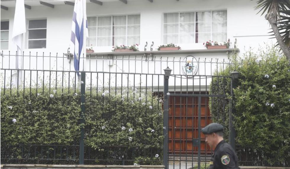 Alan García cumple su quinto día en la residencia del embajador de Uruguay. (Cesar Campos)