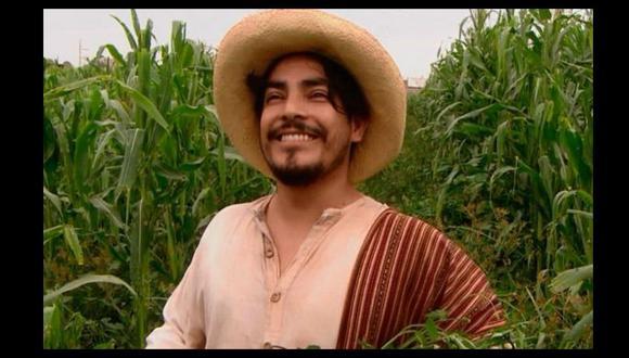 Erick Elera se despide de su personaje 'Oliverio' de la serie 'De vuelta al barrio'. (Captura de TV)