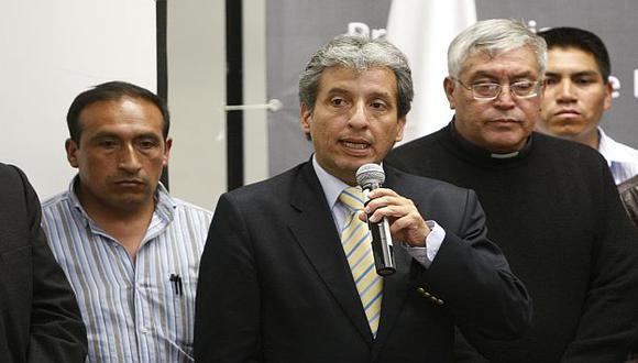 El ministro Pulgar-Vidal ratificó compromiso del gobierno de terminar con este tipo de actividad. (USI)