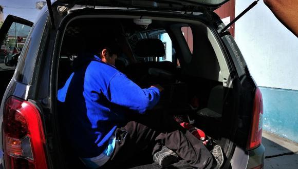 Arequipa: Alcoholizado sujeto golpeó a su madre y ella llora ante juez para que lo dejen libre.