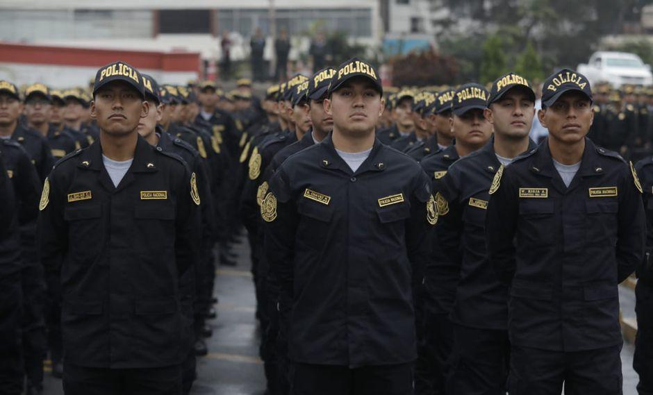 Los nuevos policías se formaron en 27 escuelas técnicas de la institución. (Fotos Anthony Niño De Guzmán)