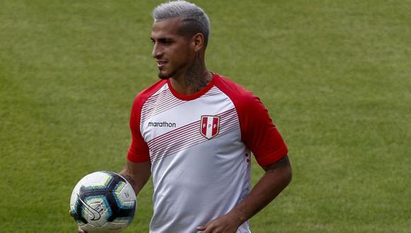 Miguel Trauco dio la asistencia de gol para el 2-2 ante Paraguay. (Foto: AFP)