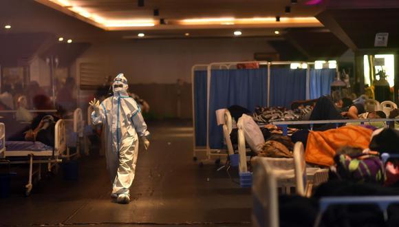 Todos los días en este país se reportan un promedio de 300.000 nuevos contagiados del COVID-19 y alrededor de 2.000 muertos por causa del virus, más del doble de lo que se registró en el pico más alto de la primera ola, en el 2020. (Foto: EFE/EPA).
