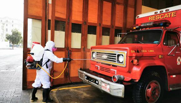 Según el CGBVP, 990 bomberos se contagiaron del coronavirus y otros 26 han fallecido. (Foto: Municipalidad de Lima)