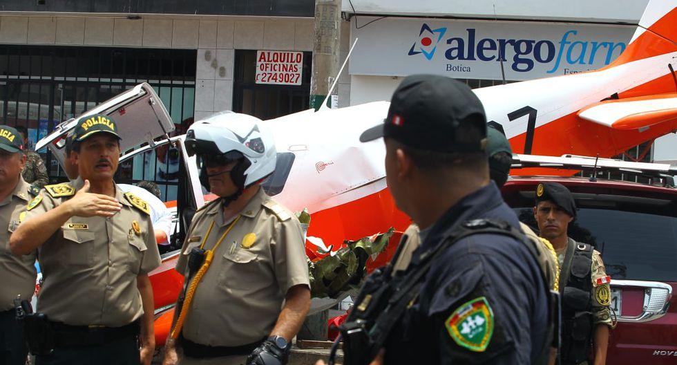 Avioneta de instrucción tuvo que aterrizar de emergencia sobre avenida en Surco. (Miguel Bellido/GEC)