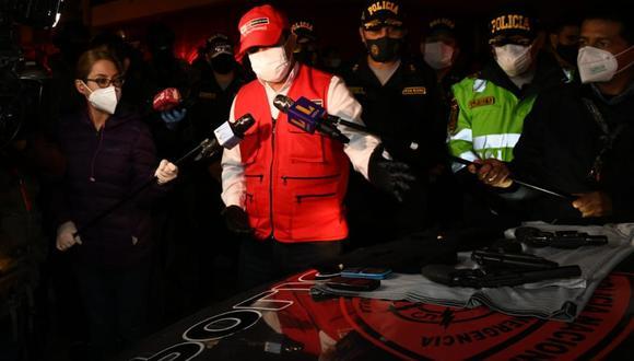 El ministro del Interior, Gastón Rodríguez, informó que los detenidos pertenecían a una banda de raqueteros. (Mininter)