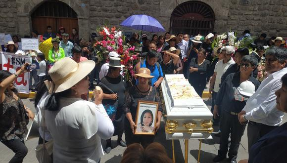 Ayacucho: Familiares y amigos exigieron justicia para Lisbeth. (GEC)