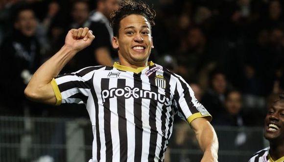 Cristian Benavente tiene tres años en el Sporting Charleroi (Foto: Difusión).