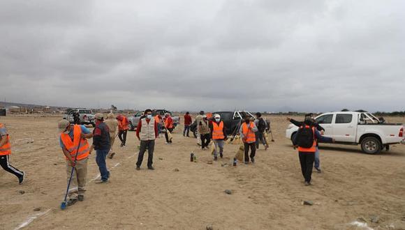 Las autoridades permanecen en la zona para evitar una nueva invasión. (Foto:Prensa Total)