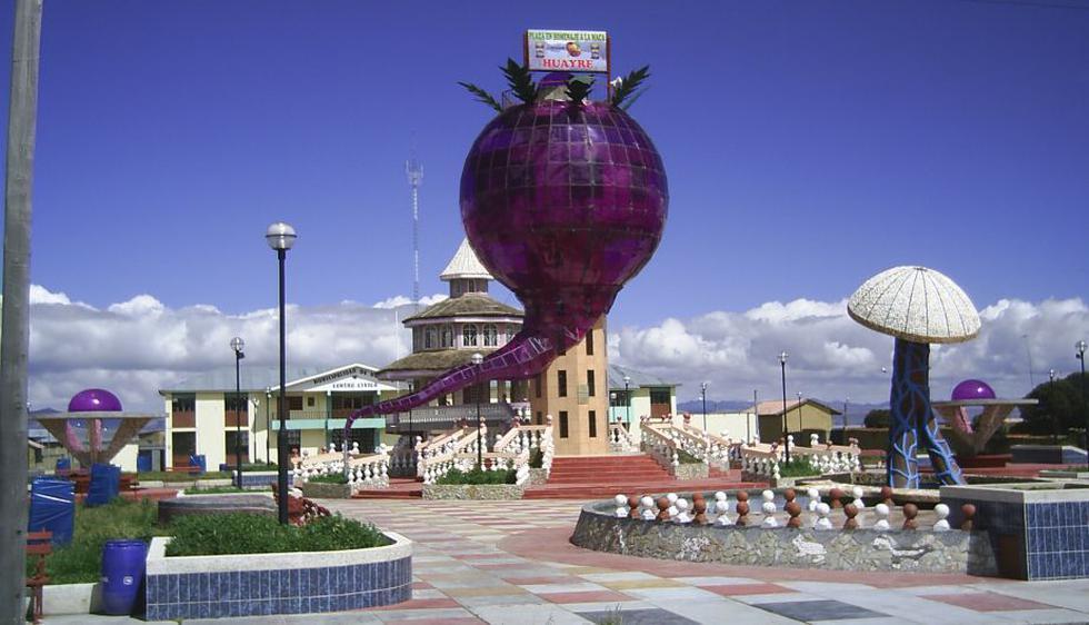 El Monumento a la Maca, ubicado en la Plaza de Armas de Huayre, en Junín. (Internet)