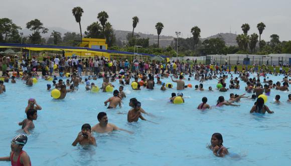 Las piscinas de centros de esparcimiento y parques zonales eran bastante concurridas en años anteriores. (GEC)