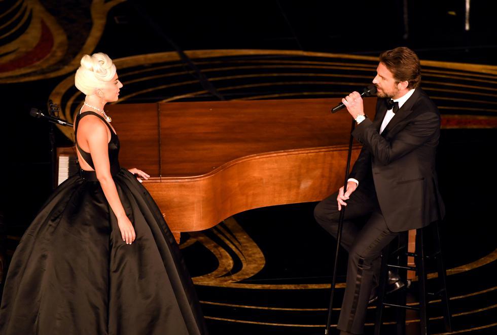 """Lady Gaga y Bradley Cooper interpretaron el tema """"Shallow"""" en el Oscar. (Fotos: AFP)"""